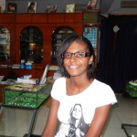 Jasmin glücklich mit neuer Brille, Juni 2013