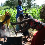 Schwerstarbeit für 200 Leute zu kochen
