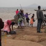 Fischer und Fisch Käufer am Viktoriasee
