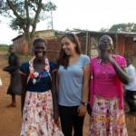 festlich gekleidet zum Sonntagsausflug - Emine mit Frauen des Dorfes
